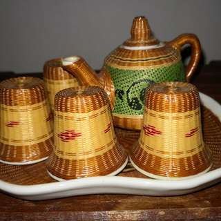 Vintage rattan porcelain Chinese tea set