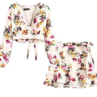One Set Floral Long sleeve top and flowy skirt with tieknot ribbon