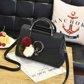 Slingbag Bag Gantungan Pompom VC82352/B2646