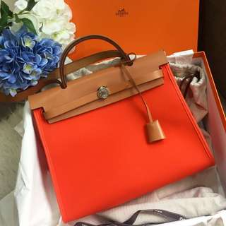 🍊Beautiful!🍊 Herbag 31 in Orange Poppy Canvas and Natural Leather