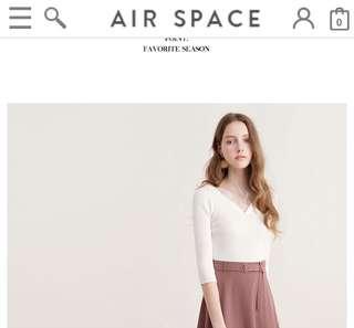 🚚 Air space 全新 s號  捲邊V領針織上衣 七分袖 180元