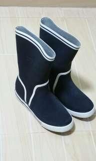 Lacoste 水靴