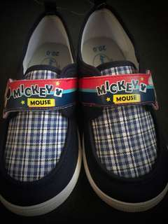 BNIB Kids Mickey Mouse shoes size 20