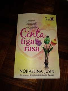 Preloved Novel Cinta Tiga Rasa