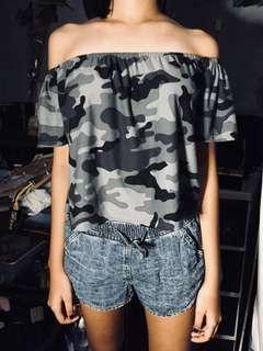 Camou Gray-Black Off-Shoulder Top