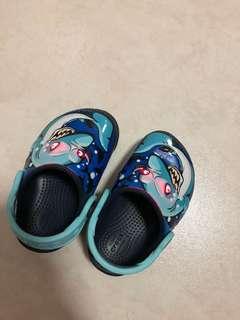 Crocs Shoes size 5