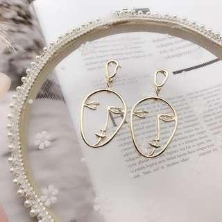 〰 Allie Face Earrings