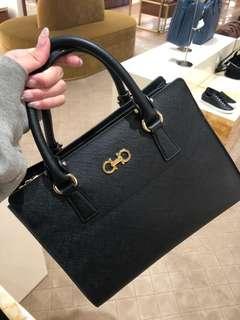 Ferragamo Outlet Handbags