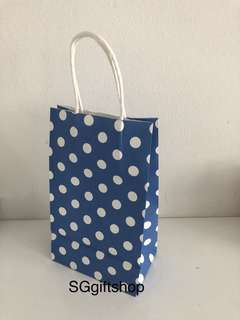 Blue polka dot paper bag, DIY your own party goodies bag theme, kids party goody bags packages