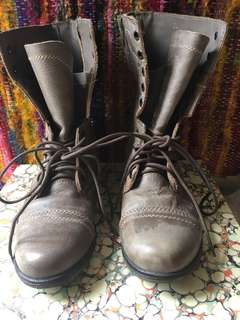 Stylish Combat Boots that hasn't been worn for sale