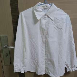 淘寶購回 白恤衫 襯衫 黑色蝴蝶結  簡約 休閒 CASUAL 甜美 斯文 LOOK