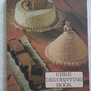 Cakes Decorating Book