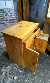 Meja 1 laci 2 pintu