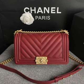 Chanel Le boy Red