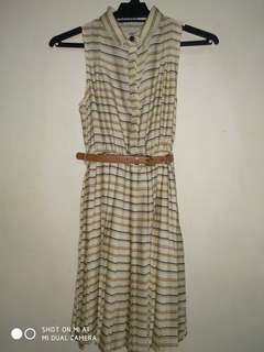 Vintage style dress from Pull and Bear