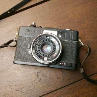 kamera analog antik kuno lawas ricoh gx-1 hitam