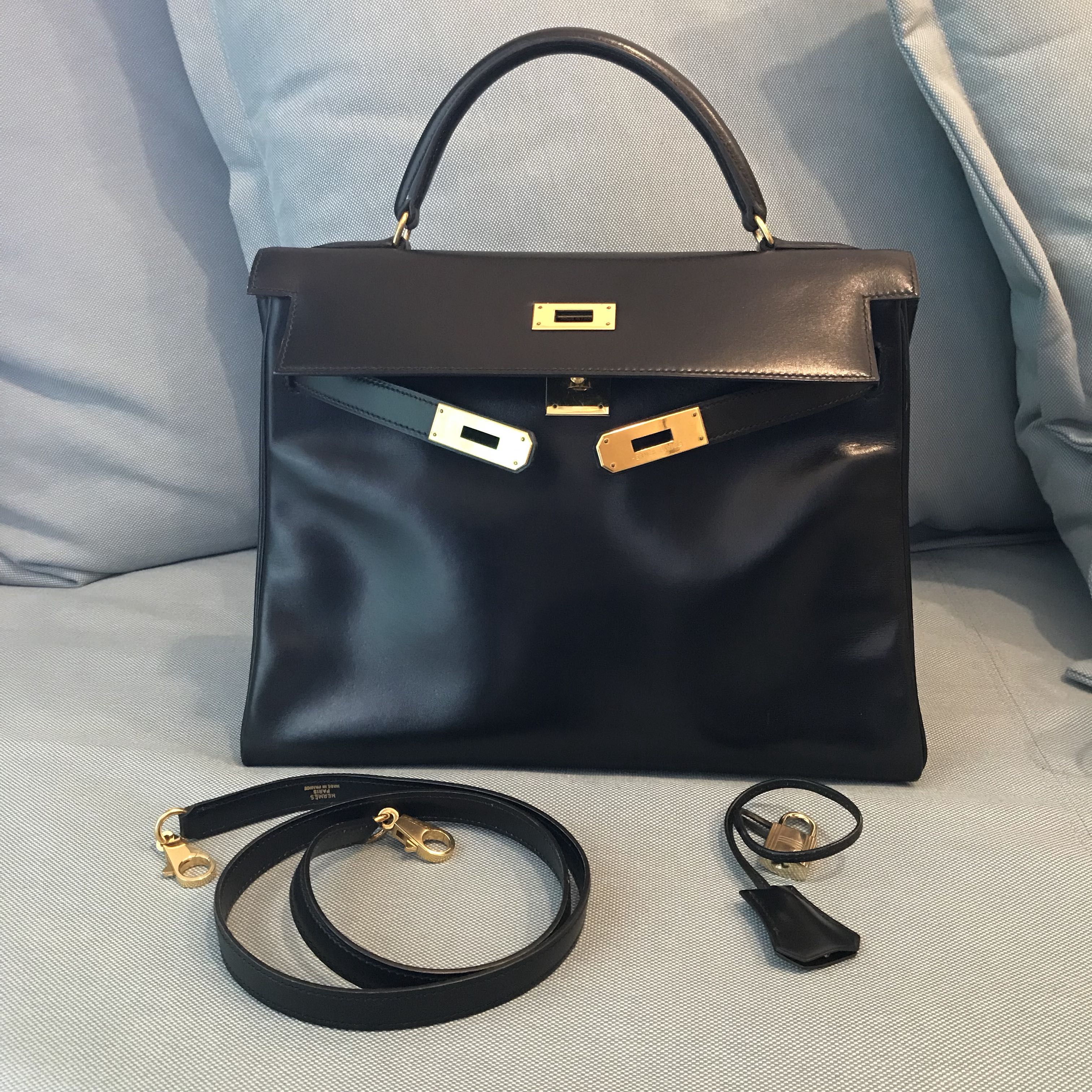 1069eb01a9 Authentic vintage Hermes Kelly 32 in Black Box Leather, Luxury, Bags &  Wallets on Carousell