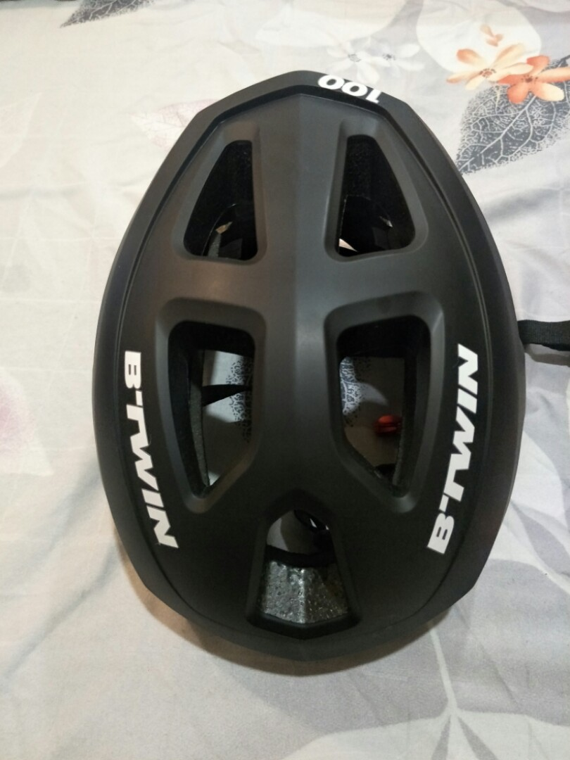 BTWIN ROADR 100 HELMET, Car Accessories on Carousell