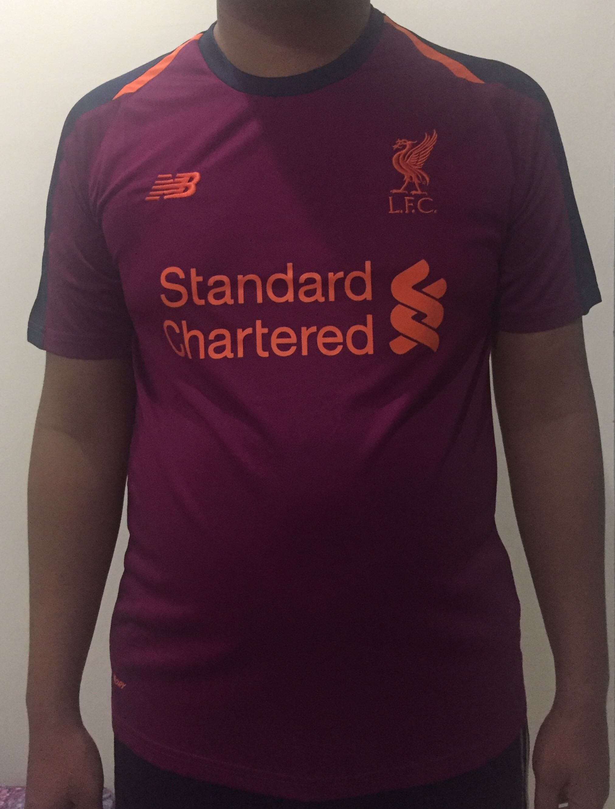 buy online 64d19 42f0e JERSEY LIVERPOOL AWAY 2018/2019, Sports, Athletic & Sports ...