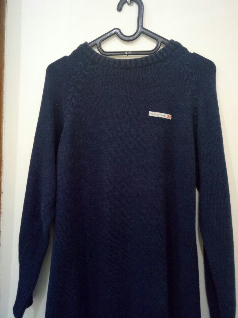 Sweater Wool Rajut