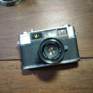 kamera analog jadul antik yashica j