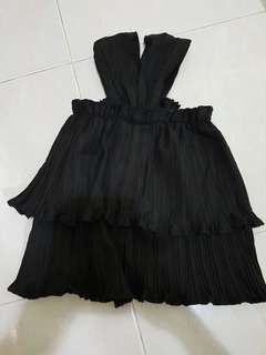 No Brand Black Tiered Frilly Top