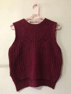 Maroon knitted sleeveless top