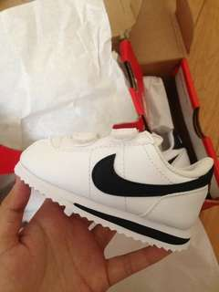 Nike Cortez ORIGINAL Infant/Toddler's size White & Black Swoosh