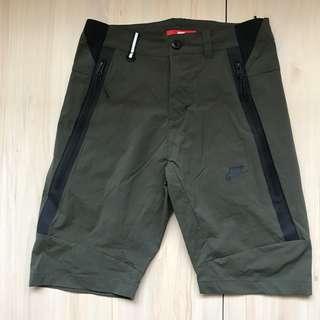 Nike Tech Woven 短褲 S號