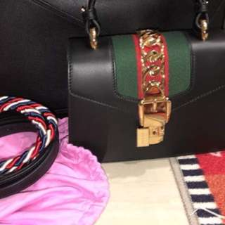 (100% BRAND NEW ORI) Gucci Slyvie Leather Shoulder Bag