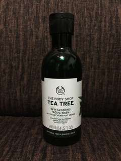 Tea Tree Cleanser (The Body Shop)
