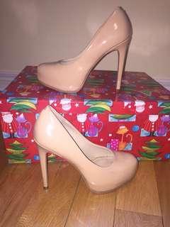 KELSI DAGGER Heels Size 7