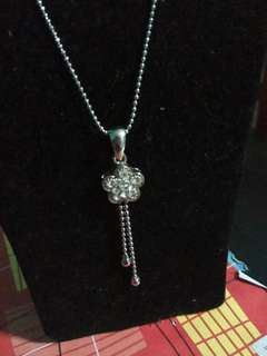 [BRAND NEW] Silver Necklace.
