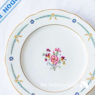 Exquisite antique hand-decorated English cabinet plate, salad, luncheon or cake plate