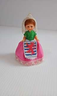 Pajangan boneka dari Eropa