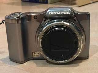 Olympus SZ-14 camera
