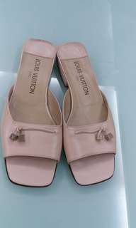 LV dirty pink leather shoes (size 37.5)