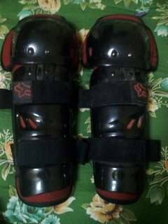 Fox knee guard