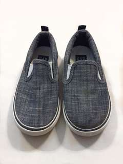 Gap shoes for toddler
