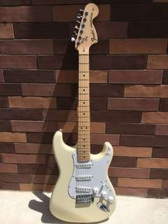 Brand New Fender Classic 70s (Japan)
