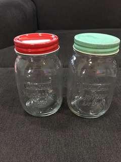 Marigold container