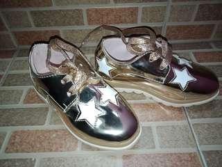 Sepatu anak import