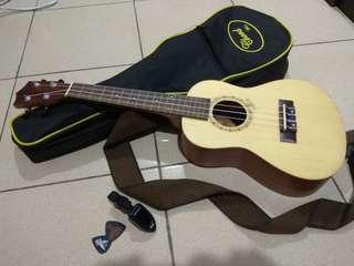 Ukulele (concert size)