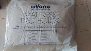 Vono Mattress Protector (Queen Size)