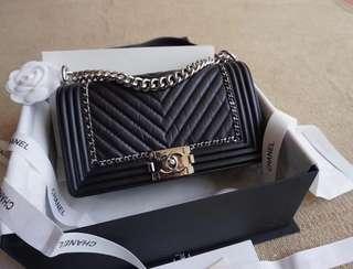 Chanel-Le Boy medium size25