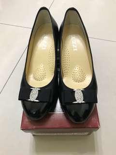 🚚 🇹🇼台灣製/緞帶水鑽氣墊高跟鞋 38號