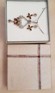 Chomel Necklace plus Earrings