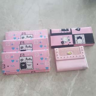 Long wallet suitable for kids or school