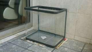 超白 魚缸 (有膠邊) - Fish Tank with solid plastic guides (in very good condition)