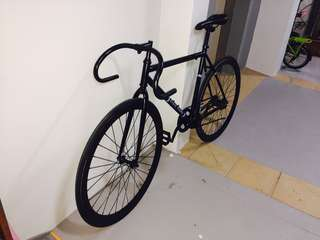 Used fixie (fixed gear)